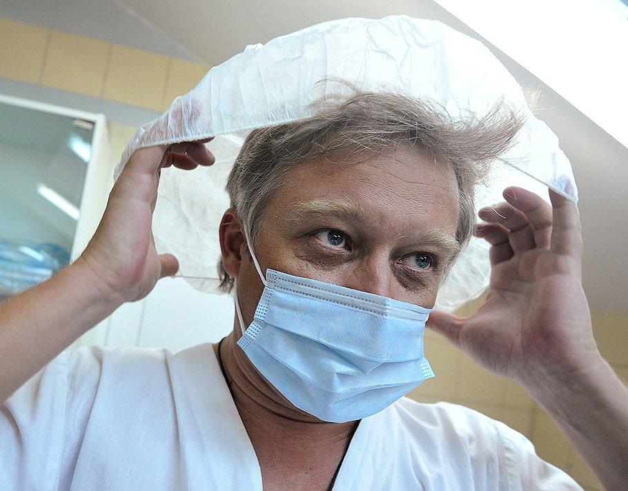 Русский пластический хирург стал « мировым чемпионом по пластике груди»!