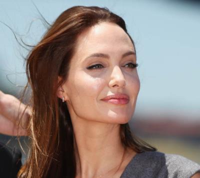 Эффект Анджелины Джоли: делать ли операцию?