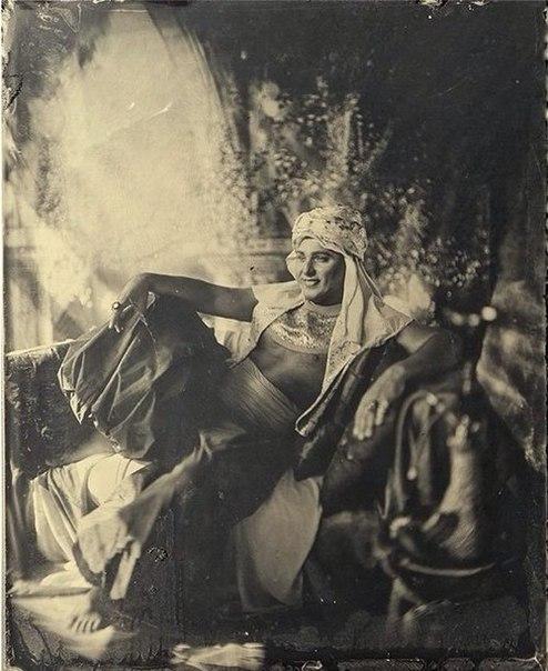 Экспозиции уникальных фотографий на стекле
