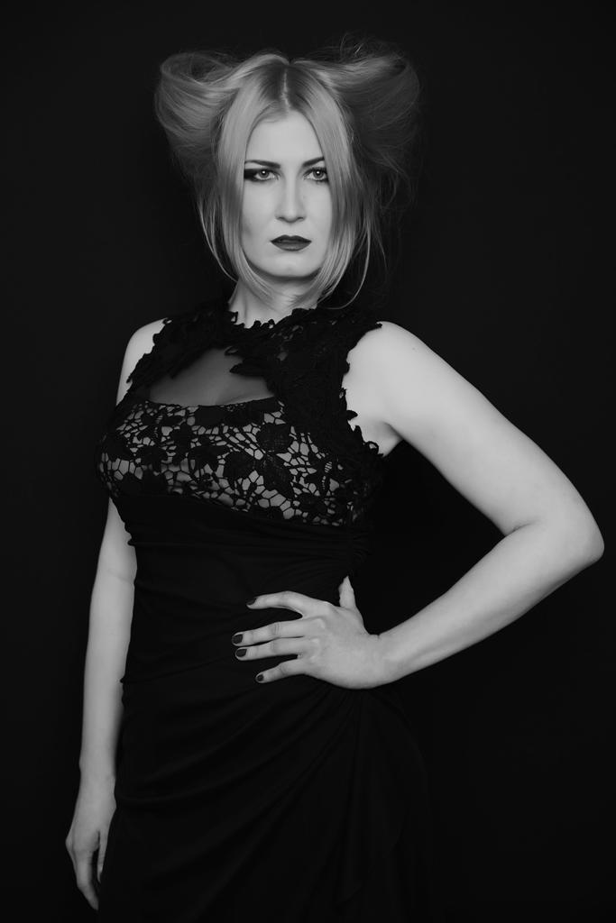 Фотопроект « Женщина сильнее…» на полосах мужского журнала XXL
