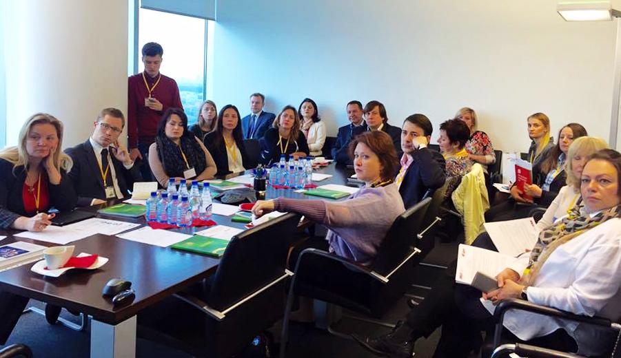 На бизнес-завтраке АКМР гендиректор Э. ОН Россия сказал о делении организации на два предприятия