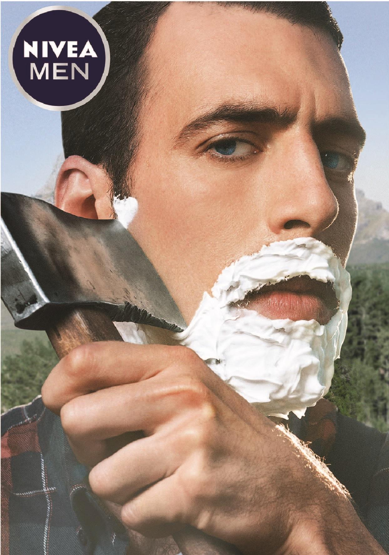 Острые ощущения: в Санкт-Петербурге опробуют экстремальные способы бритья