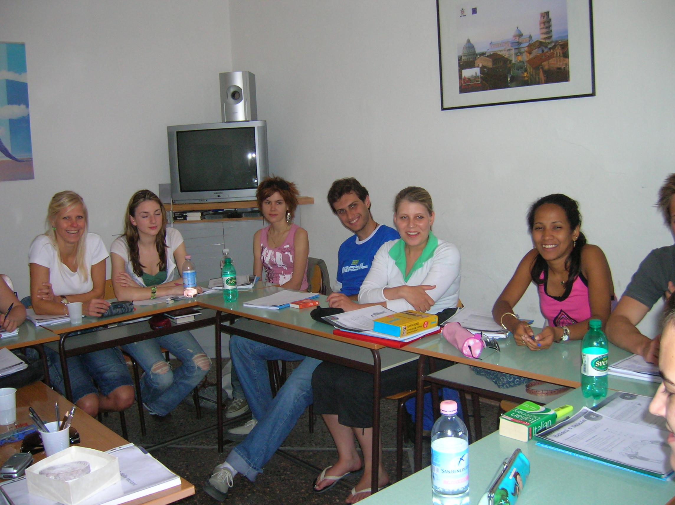 Итальянский язык является четвертым, наиболее изучаемым языком в мире: « Наши курсы привлекают студентов со всего мира»