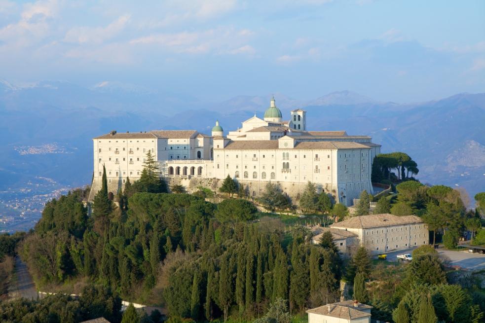 « Экспо 2015»:  туры на русском языке для знакомства с красотами Италии из-за отелю « Ambasciatori Place Hotel» в г. Фьюджи
