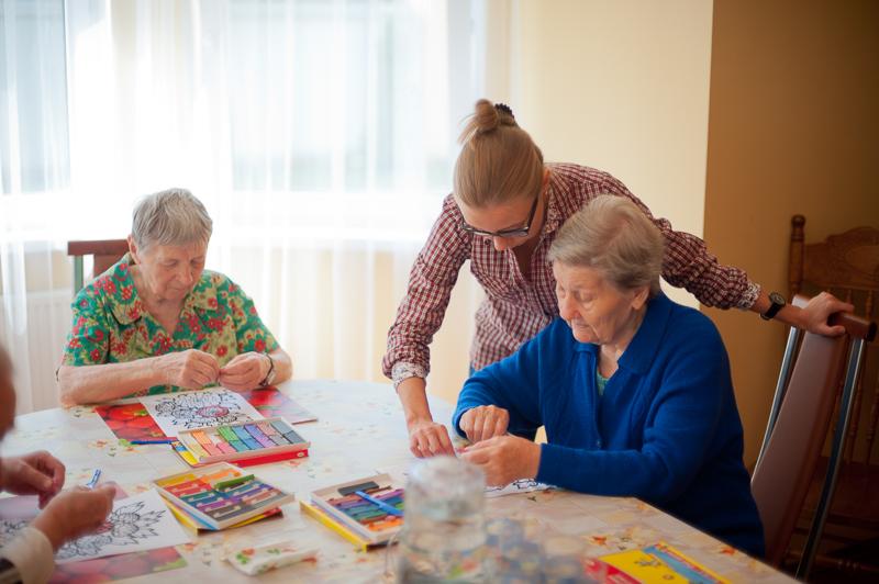 Нужен ли пожилым людям психолог?