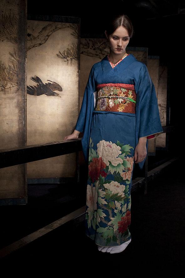 Галерея Классической Фотографии приглашает на цикл лекций « Разоблачая кимоно»